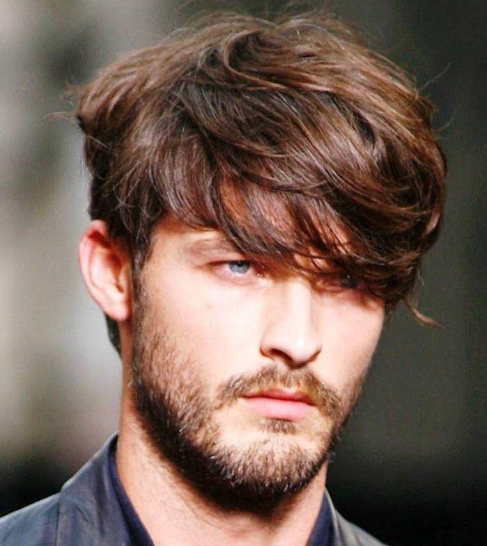 Top acconciature-uomo-capelli-medi-taglio-moda-ciuffo-davanti-occhi  WB74