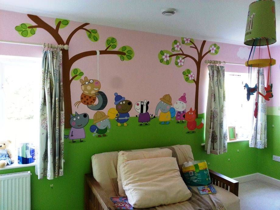Peppa Pig Themed Room Painted In One Week This Wall Features A Group Of Peppa S Friends Pig Mural Kids Bedroom Decor Girl Room