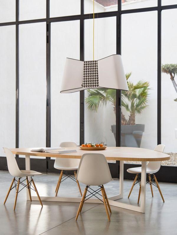 Une Belle Salle à Manger Design Avec Mobilier Couleur