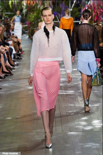 Jupe plissée, Christian Dior, collection Printemps Eté 2014, fashion, mode, pink, rose pale, rose malabar