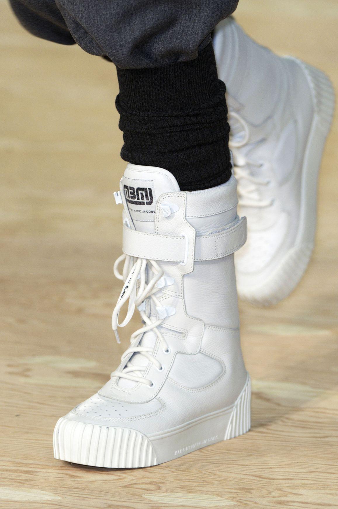 Modne Buty Jesien Zima 2014 2015 Marc By Marc Jacobs Fot Imaxtree Trending Fashion Shoes Sneakers Men Fashion Sneakers Fashion