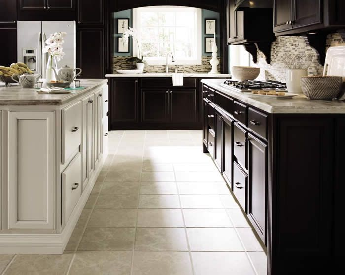 Merveilleux This Transitional Kitchen Has A Look That Will Never Go Out Of Style. Kemper  U0027
