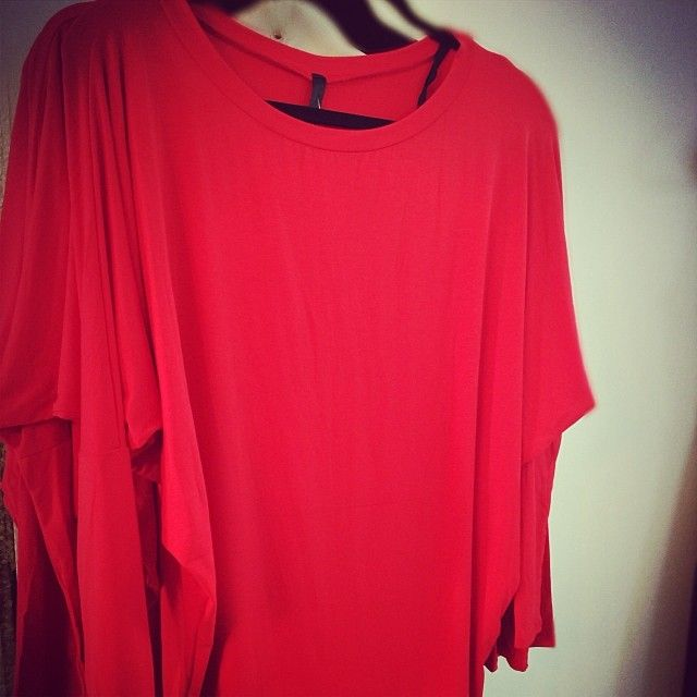 $28 Smokin' hot red top -Looks great with leggings! More at: http://instagram.com/p/iMiTKrnLQK/ Fashion, Fashion, Fashion