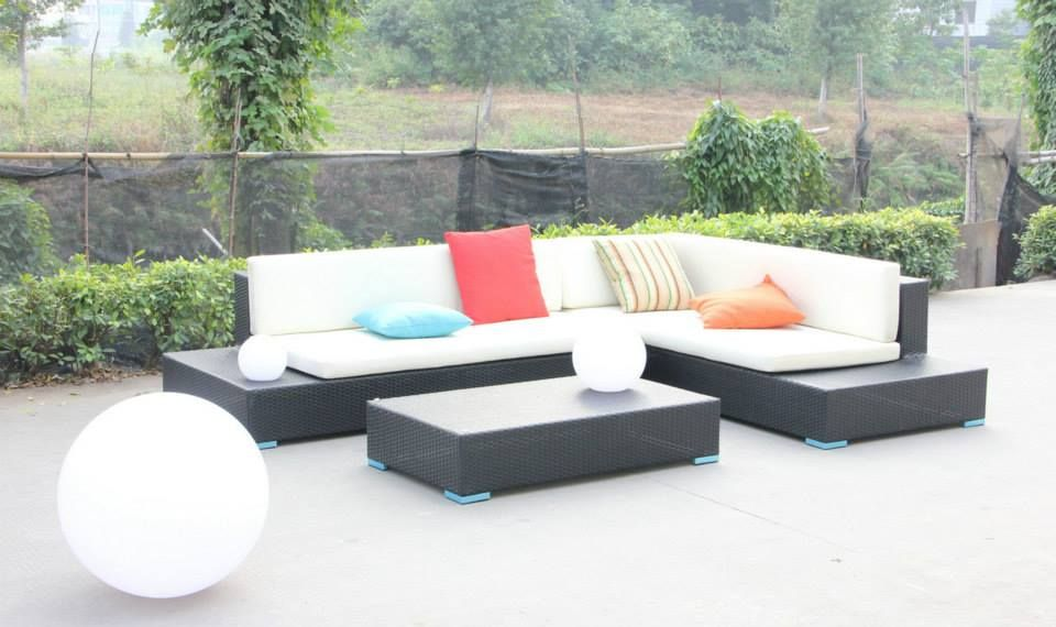 Sunset - Sofa Lounge - Black rattan with white waterproof cushions, includes coffee table and tempered glass.  https://www.facebook.com/lillyrosehome