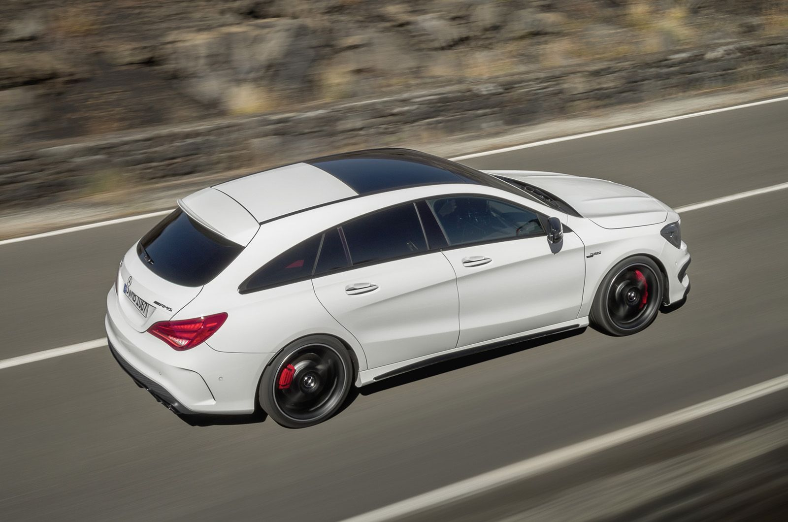 Mercedes benz cla 45 amg shooting brake
