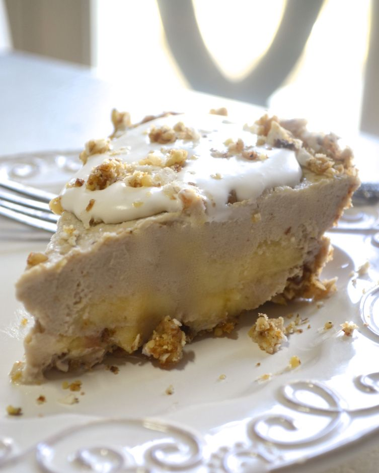 RAW BANANA CREAM PIE - Super EASY & delicious with no sugar, dairy, gluten, grain, chemicals or guilt ever!