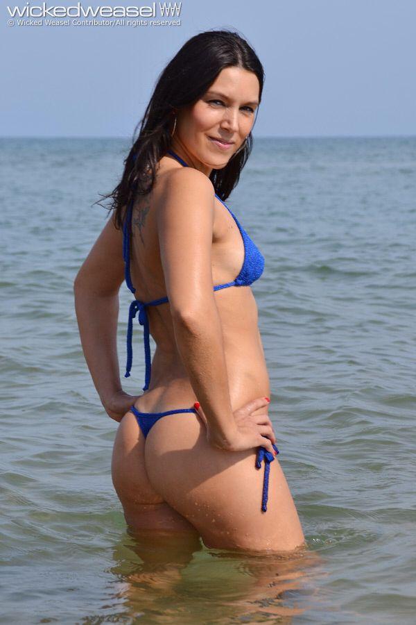 Upskirt photo showing miley