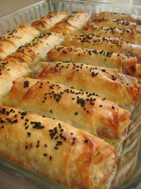 Kiymali Borek : kiymali, borek, Turkish, Borek, Ground, Beef/, Kıymalı, Böreği, Recipes, Chicken,, Recipes,, Desserts