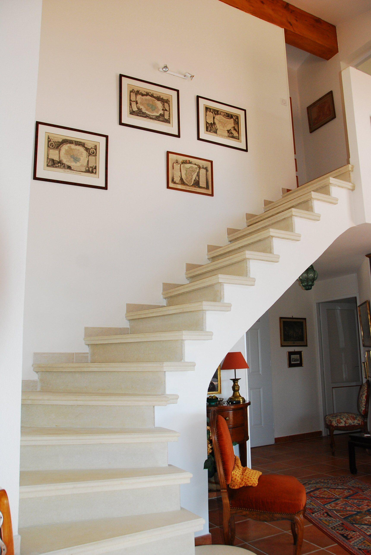 escalier b ton teint ton pierre 1 4 tournant nez de. Black Bedroom Furniture Sets. Home Design Ideas