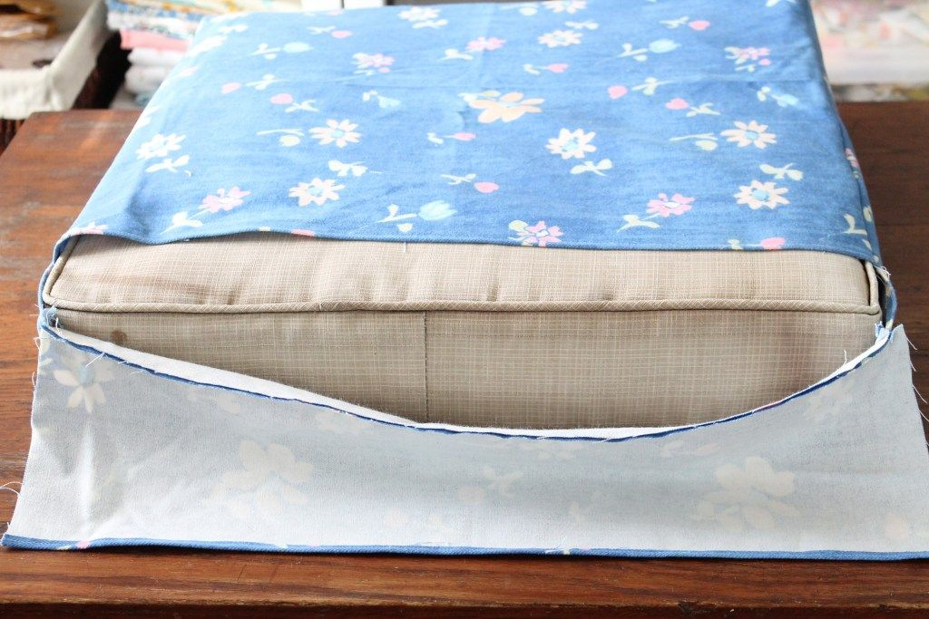 How to Recover Square Patio Cushions – The Willow Market