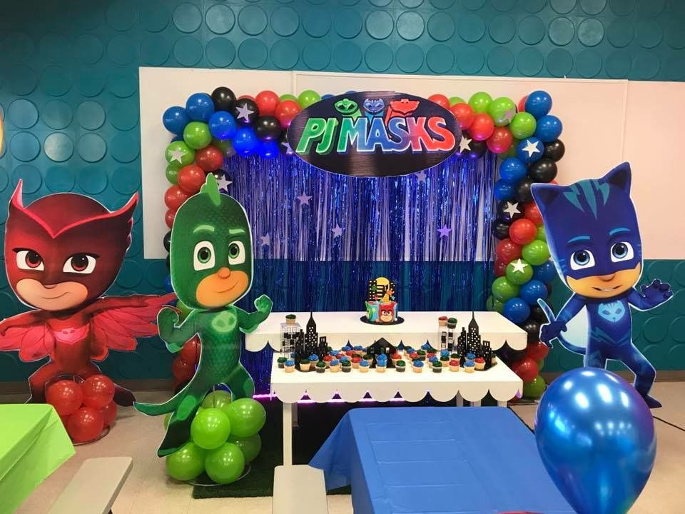 PJ Masks cake table | PJ Masks Party | Pj masks balloons ...
