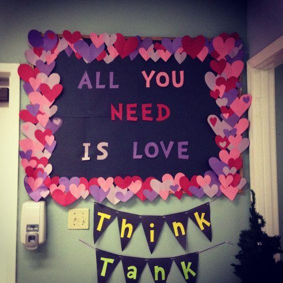 Valentine's Day Bulletin Board #valentines #bulletinboards #valentinesdaybulletinboardideas