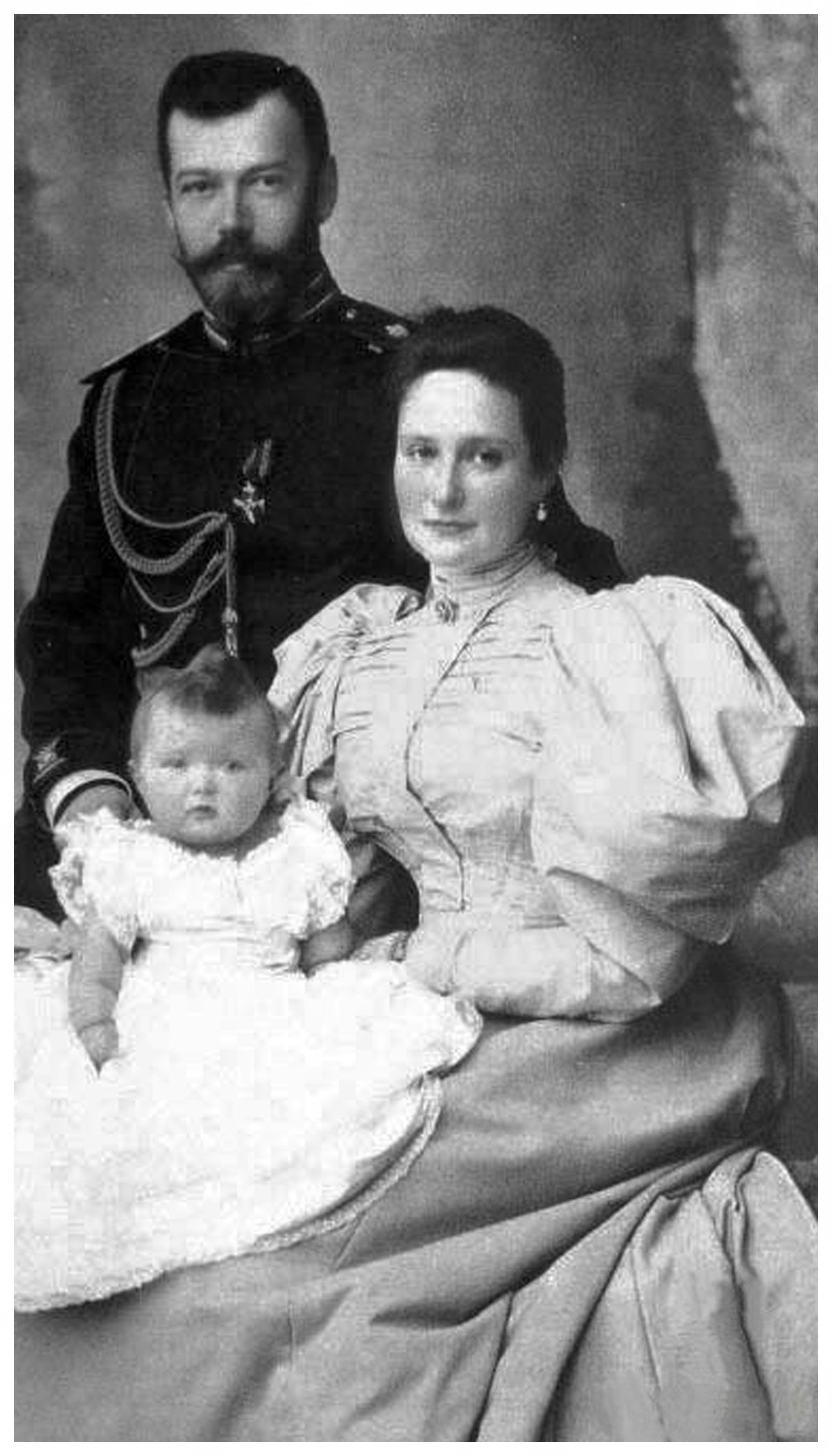 New 11x14 Photo Queen Victoria with Future King Edward VII /& Tsar Nicholas II