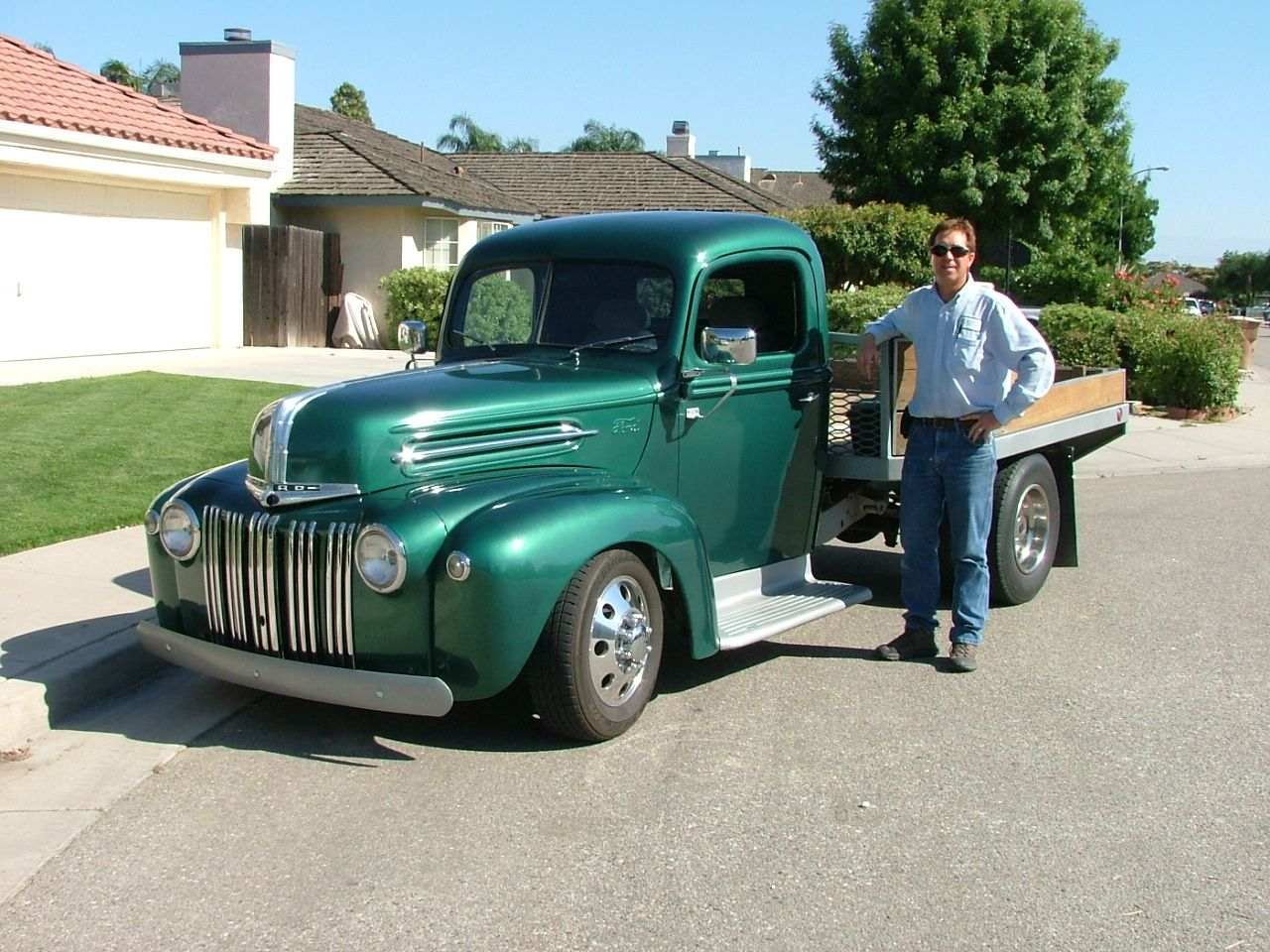1947 ford flatbed truck 383 chevy automatic power disc brakes and air conditioning
