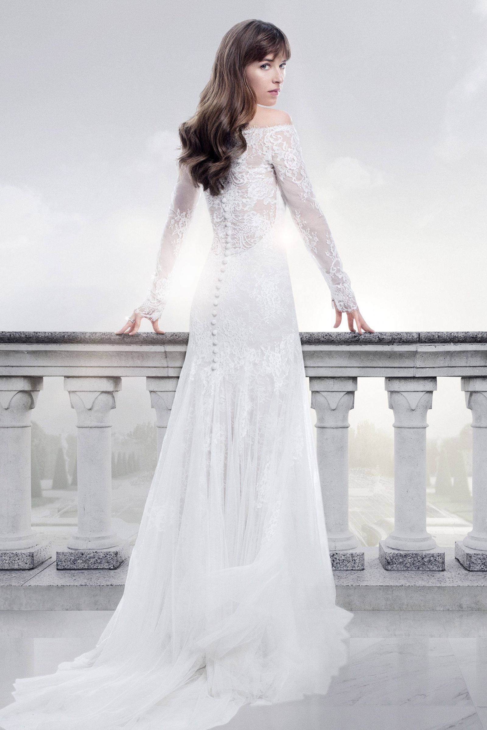 20 Of The Most Unforgettable Film Wedding Dresses Movie Wedding Dresses Grey Wedding Dress Wedding Dress Reveal [ 2400 x 1600 Pixel ]