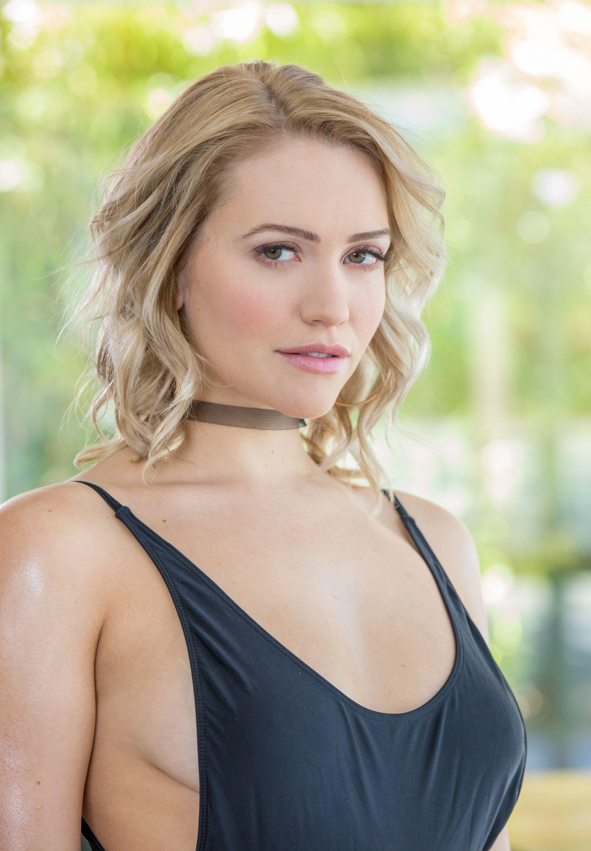 Cleavage Stefanny Agius nude photos 2019