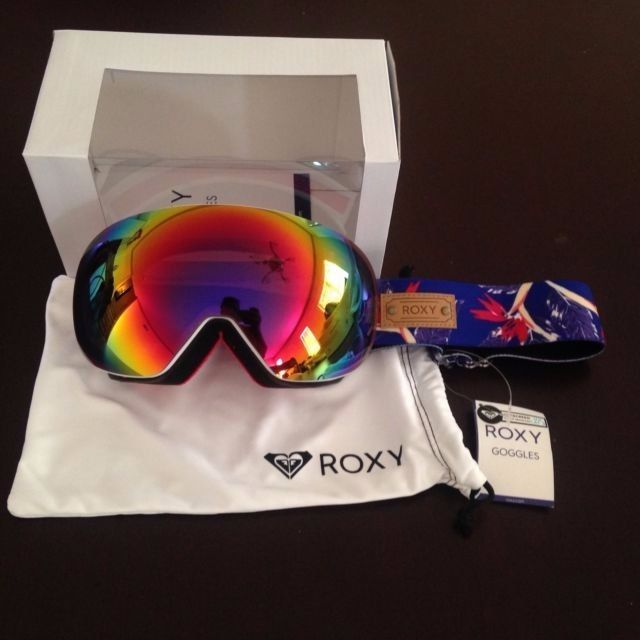 e9849506b47b BRAND NEW Roxy UTILITY ISIS Women s SKI Snowboard Goggles- 149 with us  79  ITALY  ROXY