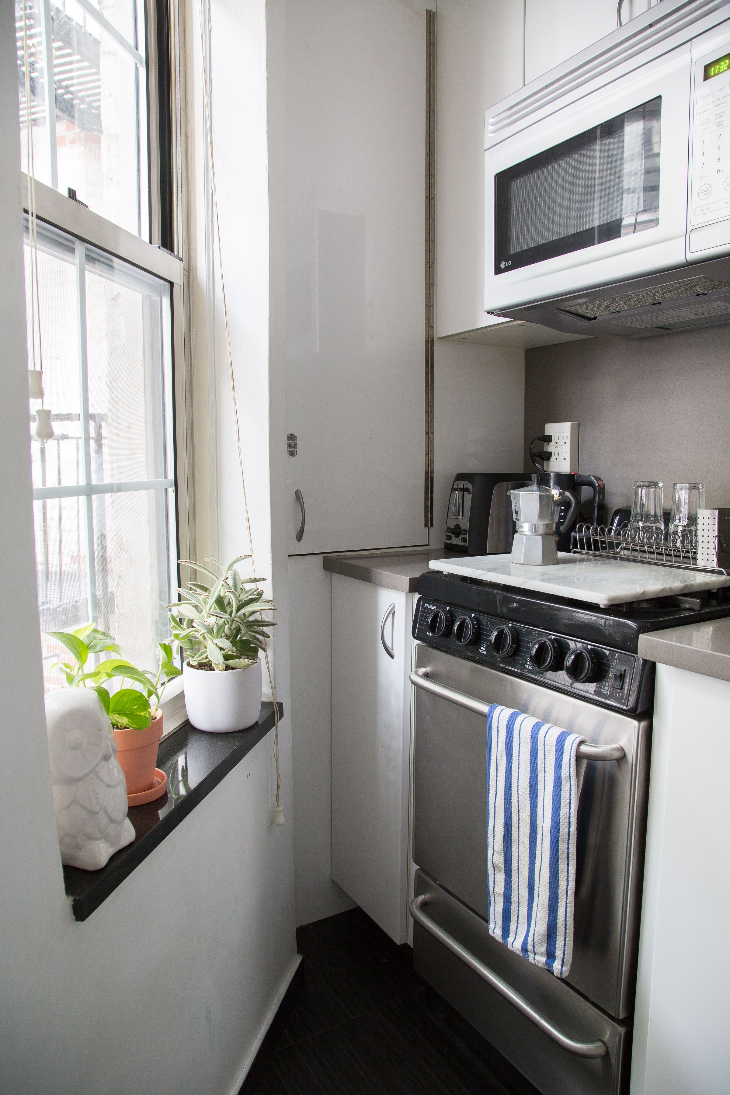 of the smartest small kitchens weuve ever seen small space