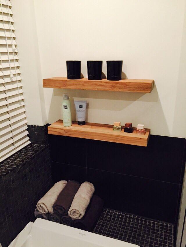 Teak houten planken in de badkamer voor in huis pinterest - Planken modern design ...