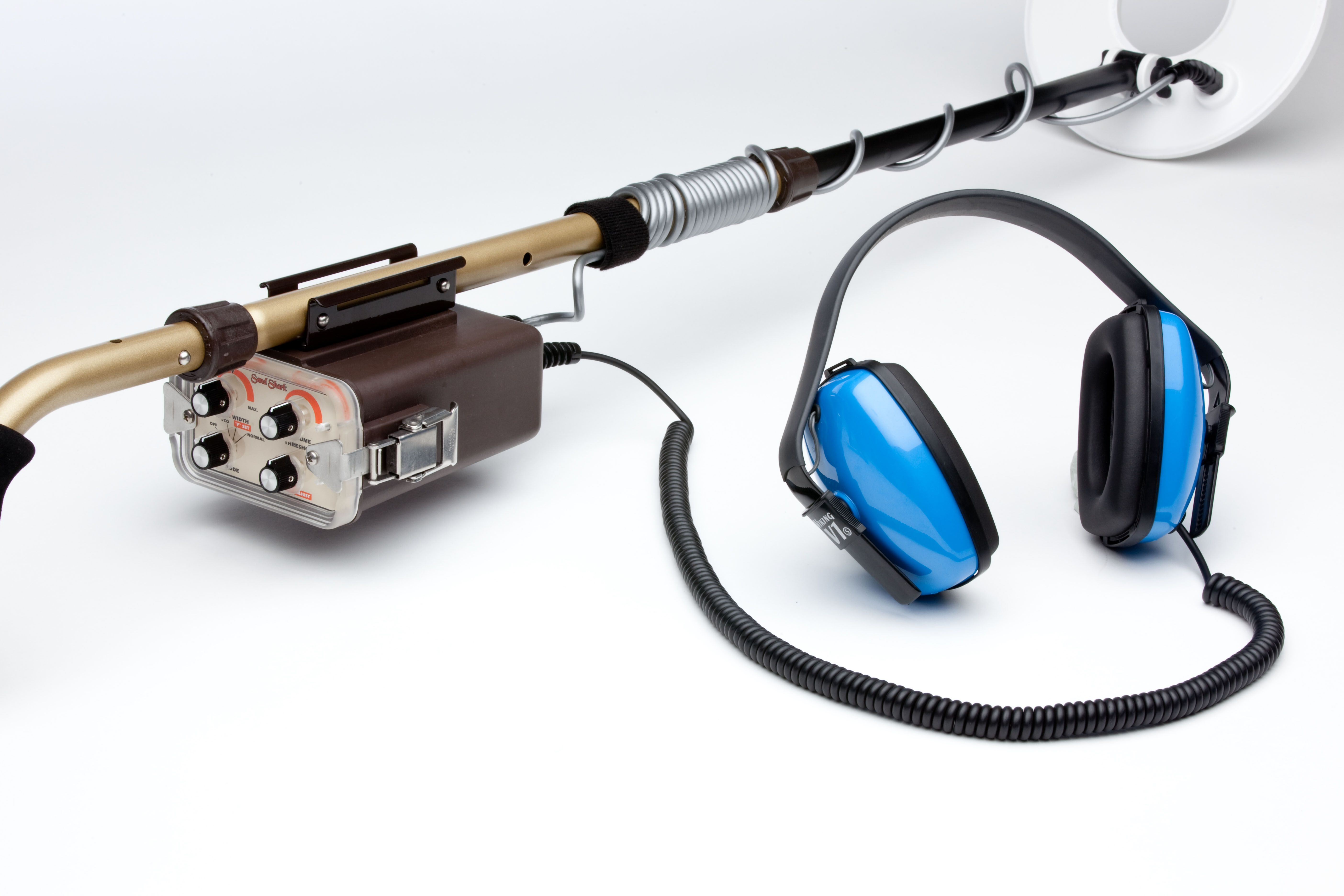 Tesoro Sand Shark Metal Detector | Beach and Water Hunter: Dive Into
