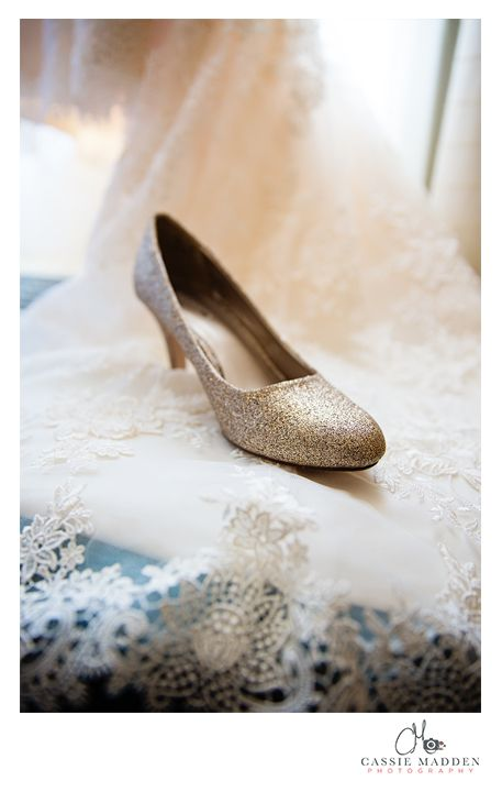 Cassie Madden Photography   Wedding Photography   Bride & Groom   Vintage   Wedding Details   Wedding Dress   Wedding Shoes