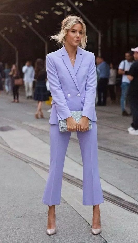 Photo of The women's suit, a hot fall-winter fashion trend