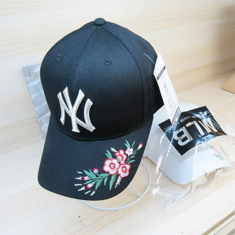 c431ff652387f Men s   Women s New York Yankees 3D Floral Embroidery Curved Dad Hat - Black