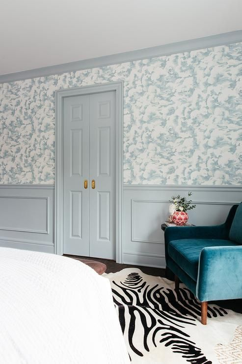 Best Light Gray Wainscoting Accents White And Blue Wallpaper 400 x 300