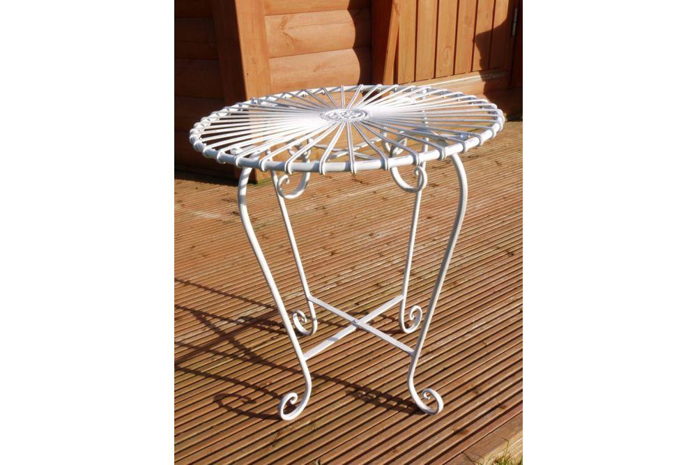 Retro Design Tisch Table Weiss Metalltisch Beistelltisch Gartentisch Terrasse Design Tisch Metalltische Beistelltisch