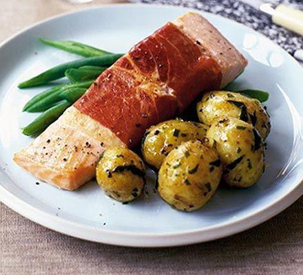 http://ryby.bonapetit.pl/przepisy/owoce-morza/krewetki-owoce-morzawyborowy idea na  obiad  całej rodziny. Read More Sola w sosie Sola w sosie to idealny,  potrawa rodzinny. zestaw  na solę natomiast la pstrąg: 1 kg mrożonej soli albo 750 g.  Sola à la pstrąg Sola a la pstrąg Smaczna  niesłychanie zdrowa sola z warzywami. skład na solę w sosie: 1 kg soli albo 750 g.
