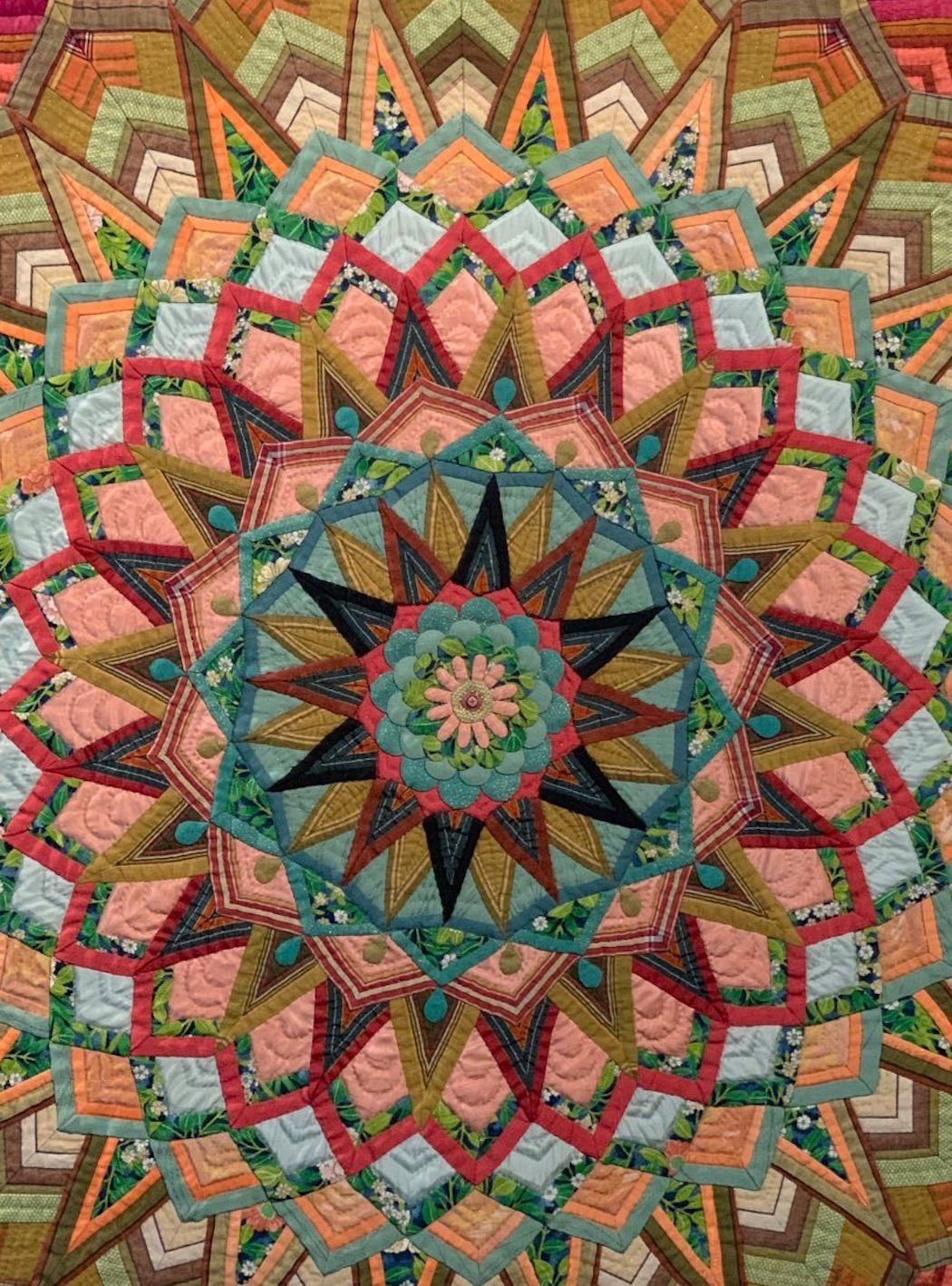 A Masterpiece of Appliqué and Piecing  Masako Sanada's   When Everyone's Heart Blooms  is part of Kaleidoscope quilt, Art quilts, Patchwork quilts, Applique quilts, Beautiful quilts, The quilt show - See Masako Sanada's quilt,  When Everyone's Heart Blooms