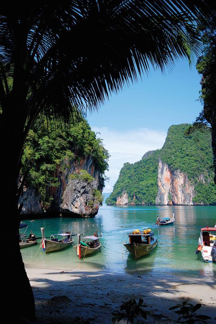 إلى أين أسافر في شتاء 2016 Beautiful Places Nature Tropical Travel Destinations Beautiful Places To Travel