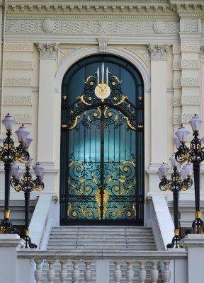 Gated door of Wat Phra Kaew & Gated door of Wat Phra Kaew | Stairways to Heavens Gates | Pinterest