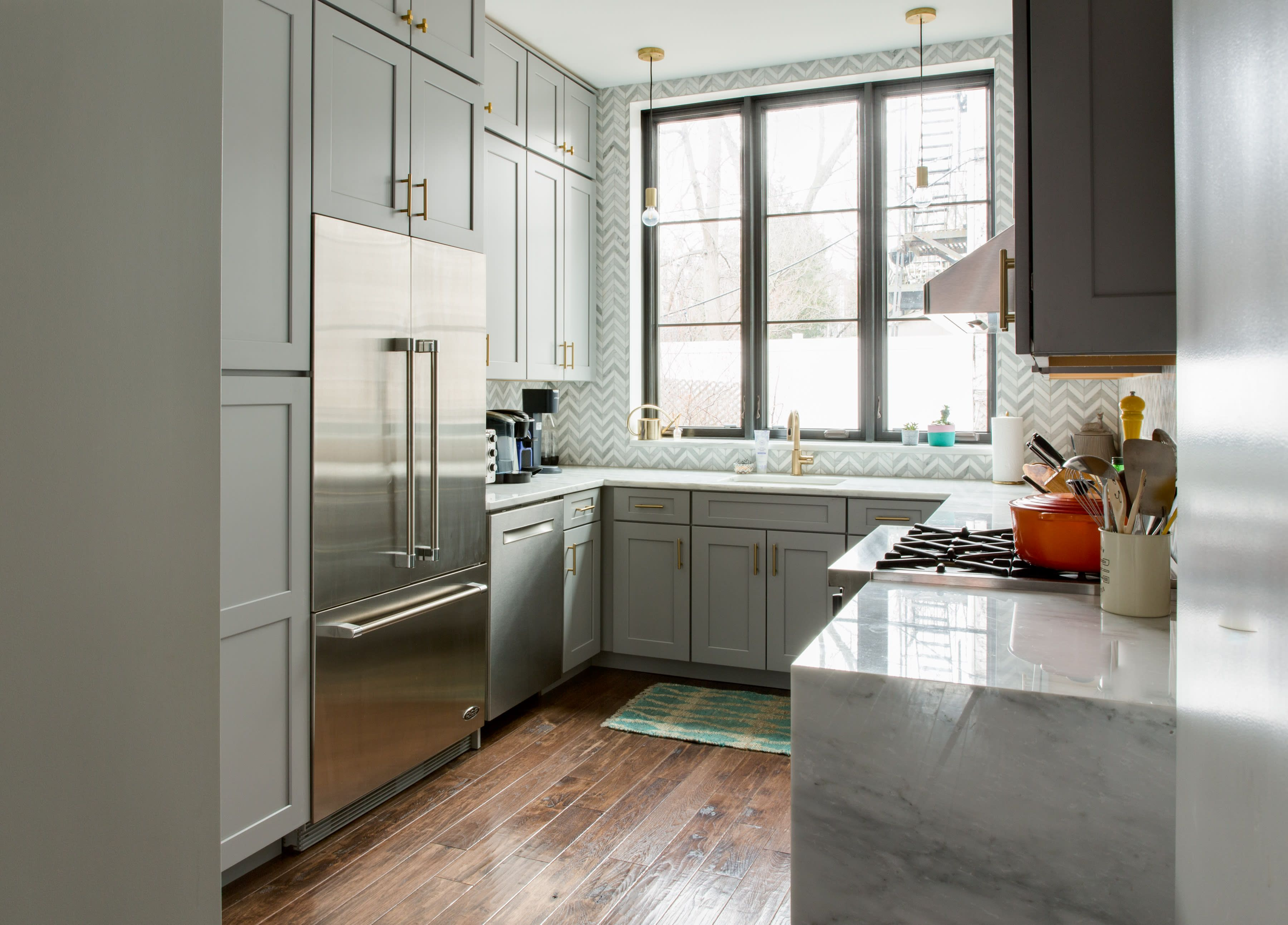 This Brooklyn Brownstone S Bold Remodel Is Extraordinary Cheap Kitchen Cabinets Kitchen Soffit Kitchen Cabinets