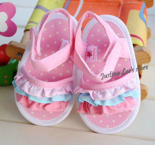 3.jpg stephys baby shoes:-)