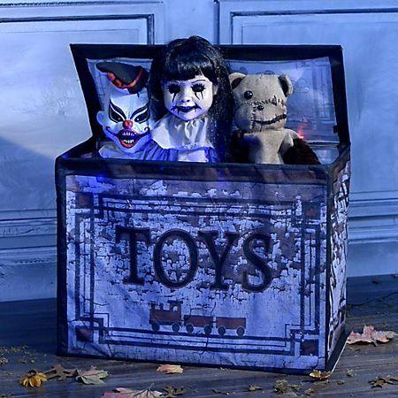 10 Halloween Animatronics That Will Give You the Creeps Halloween