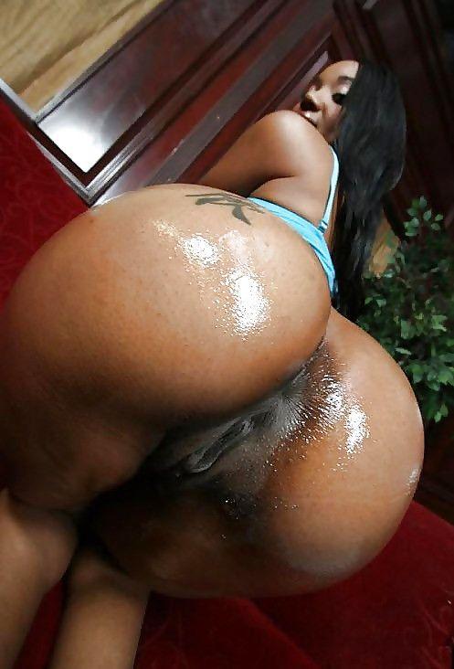 Round black ass porn pics
