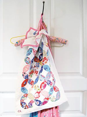 Directions to sew laundry bag with petal applique - as in Cath ...