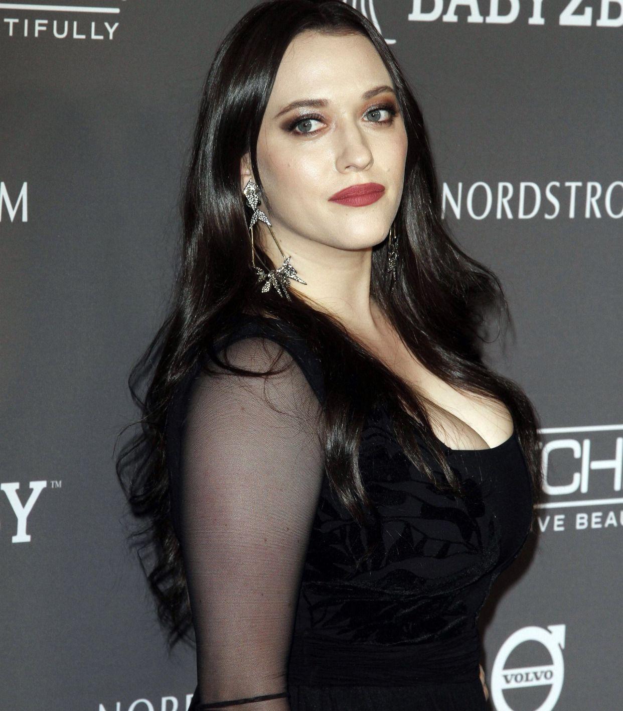 Kat Dennings Kat Dennings Beautiful Celebrities Hollywood Actresses [ 1416 x 1242 Pixel ]