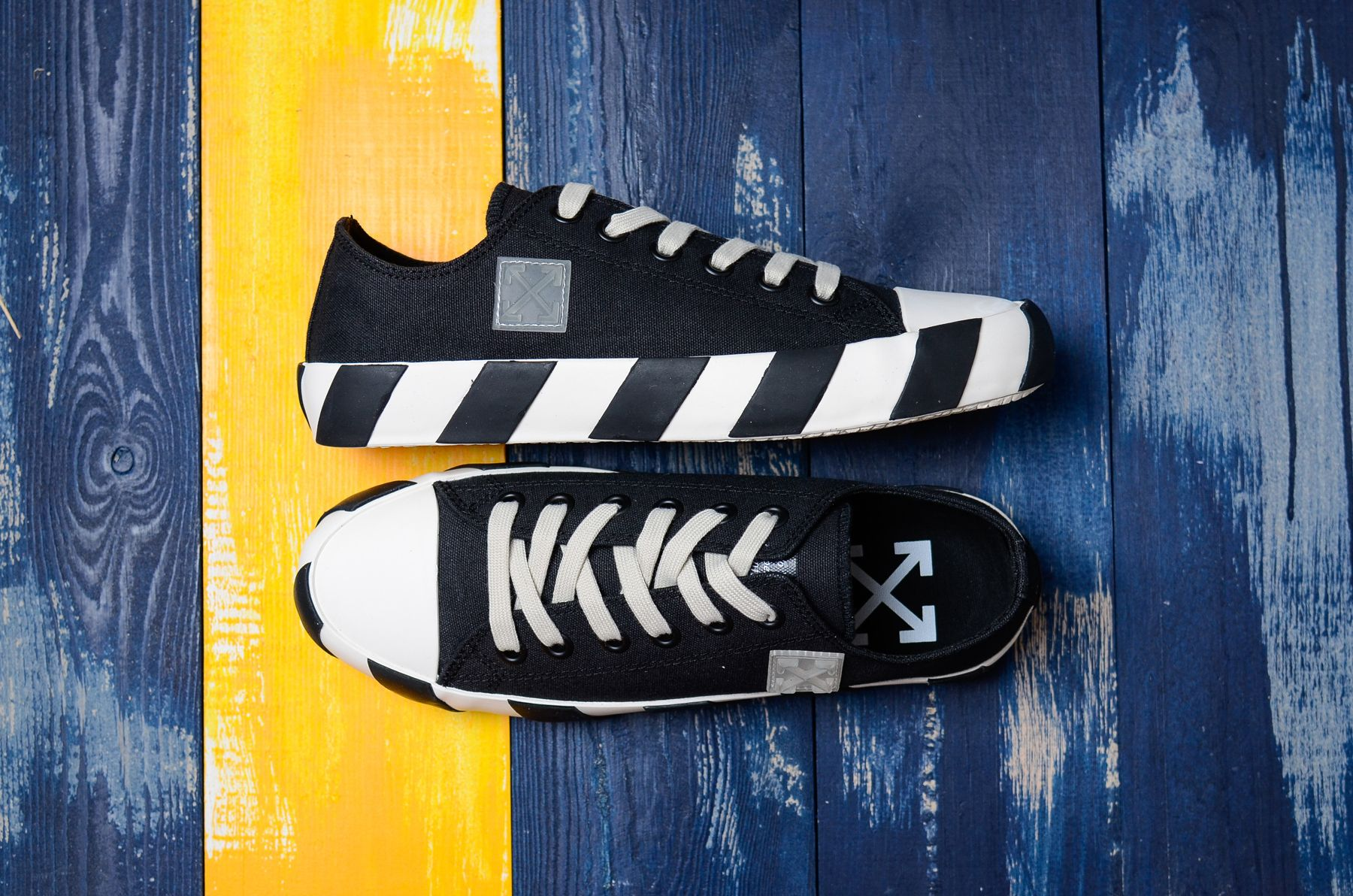Off-White Low Striped Sneakers Shoes