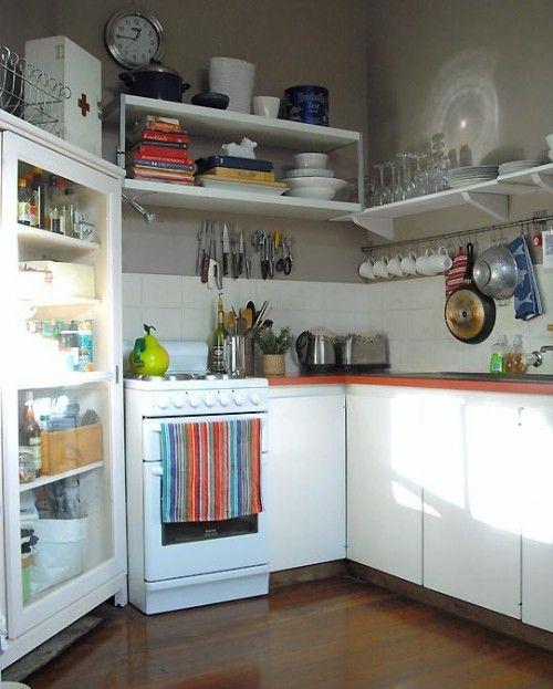 Barra con ganchos para tazas colgar m s cosas en el im n cambios cocina pinterest - Ganchos para estanterias ...