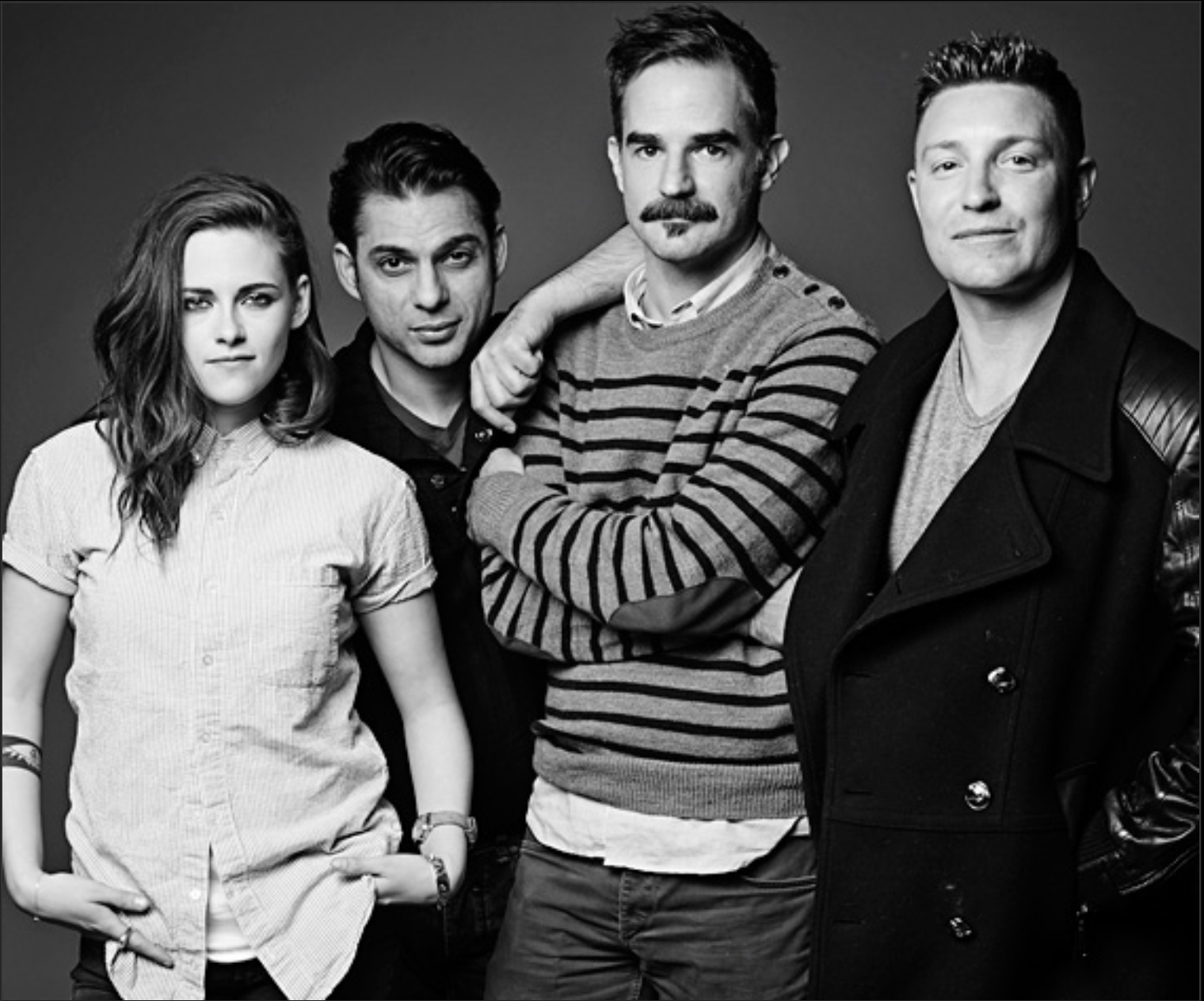 Novo portrait de Kristen e elenco de 'Camp X-Ray' para o Sundance + Citação na InStyle - Edição de abril - Hollywood News