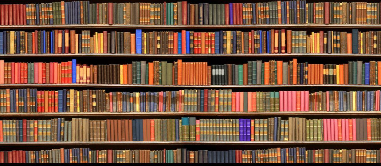 Bücherregal Aus Büchern nett bücherregal mit büchern deutsche deko