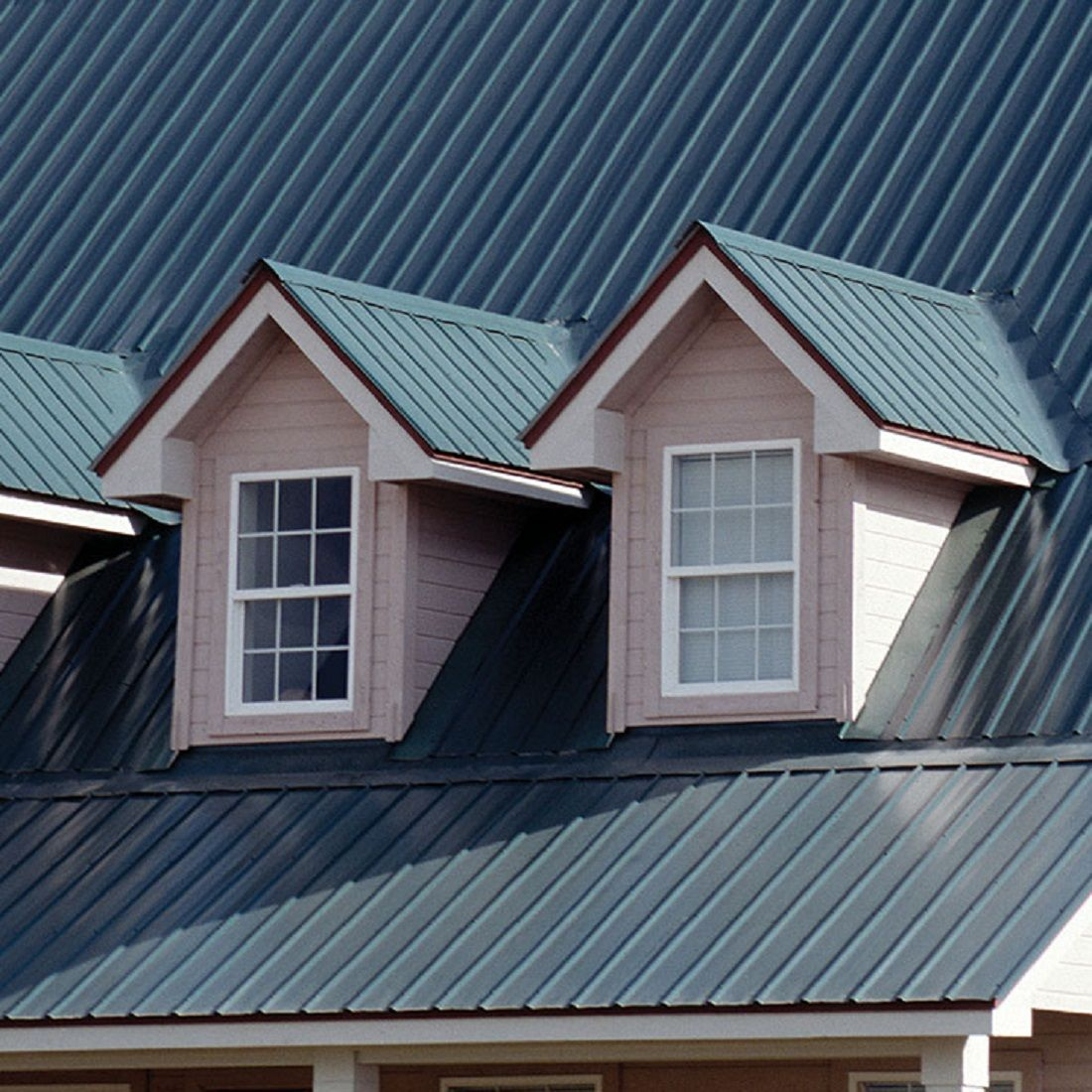 We All Like To Live In A Beautiful And Comfortable Home People Spend Hours Designing It Only To Forget About One Crucial Aspe In 2020 Cheap Roofing Roofing Metal Roof