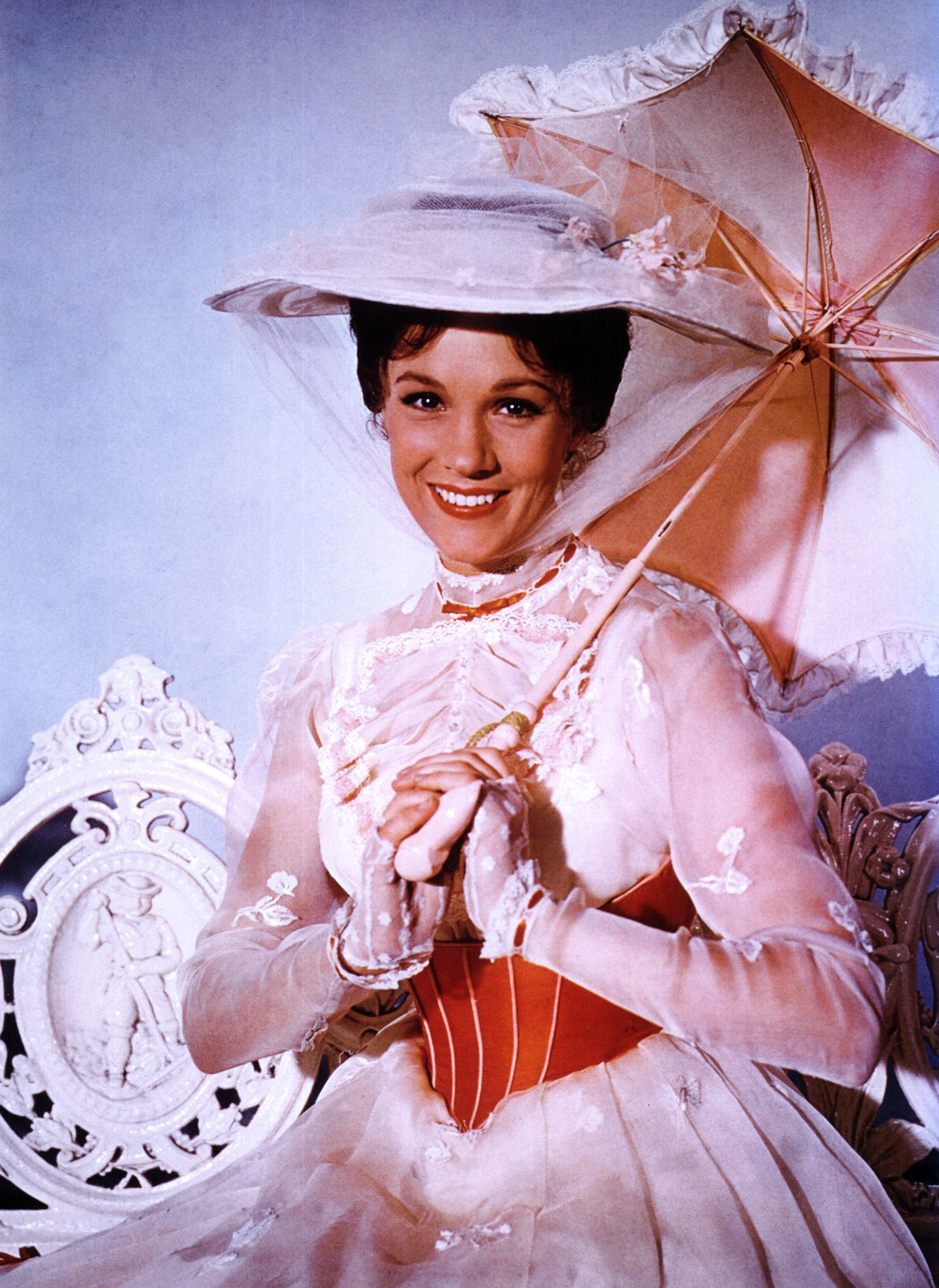 Pin By Christine Bennett On Watch Mary Poppins Mary Poppins Movie Mary Poppins Mary Poppins 1964