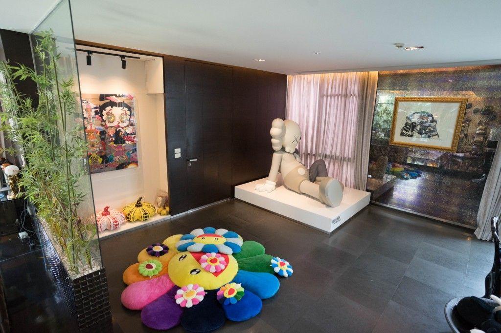 Takashi Murakami And Kaws Hypebeast Living Room Decor Hypebeast Room Living Room Decor Decor
