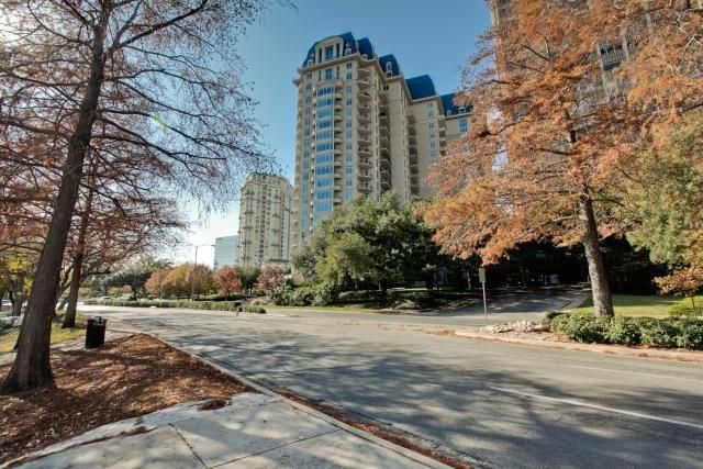 16 Condos For Sale In Dallas Ideas Condos For Sale Dallas Trulia