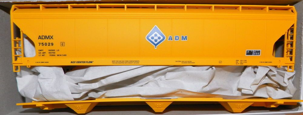 Adm Admx75029 Accurail 3354 HO Scale Kit 55 Covered Hopper