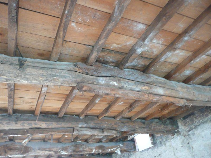 Vigas rollizos de madera construcci n tradicional - Vigas de madera ...