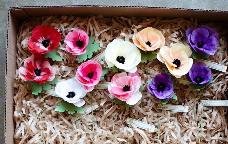 A PAPER GARDEN FROM LIVIA CETTI OF THE GREEN VASE — www.stylebeatblog.com